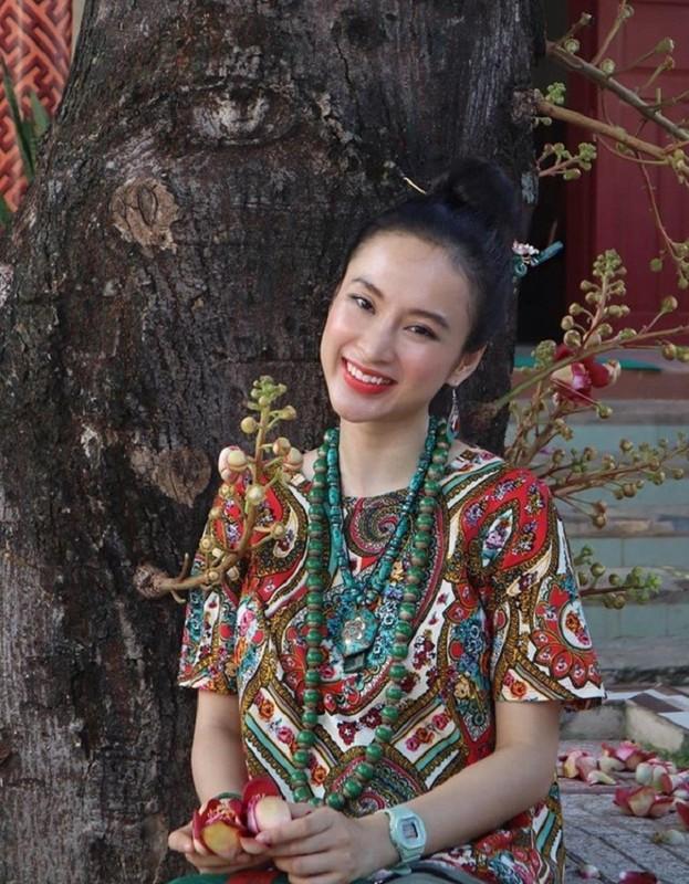 Angela Phuong Trinh dep khong ti vet voi loat do Phap phuc-Hinh-7