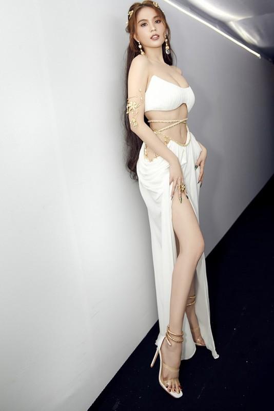 Hoa than thanh nu than, Ngoc Trinh ngot ngao van sexy vo doi-Hinh-3
