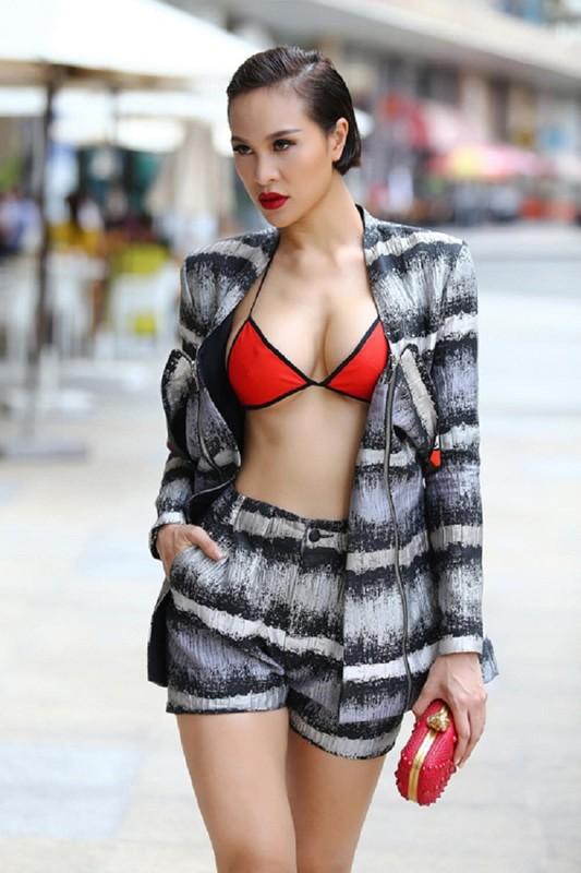 Nong mat gu thoi trang cua MC sexy nhat showbiz Viet-Hinh-10