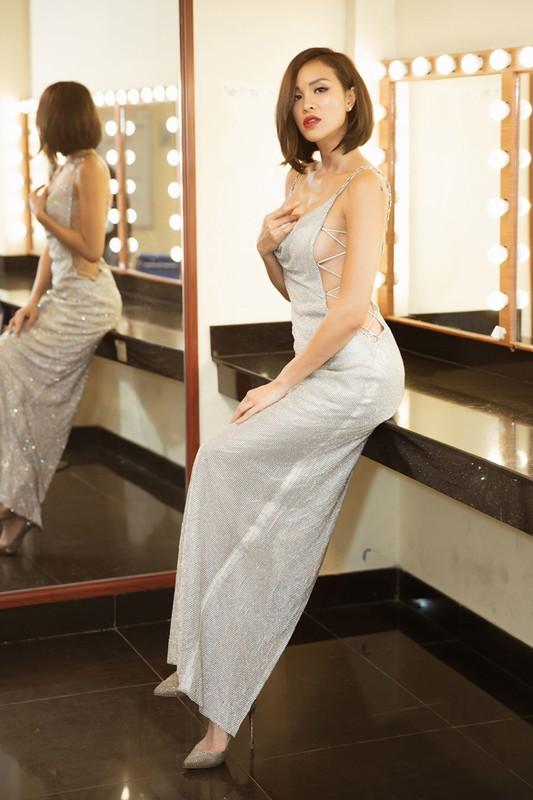 Nong mat gu thoi trang cua MC sexy nhat showbiz Viet-Hinh-3