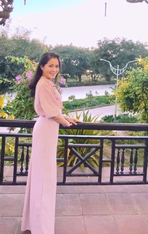 Chong dac chat nong dan,  ba xa MC Quyen Linh lai cuc ky sanh mot-Hinh-2