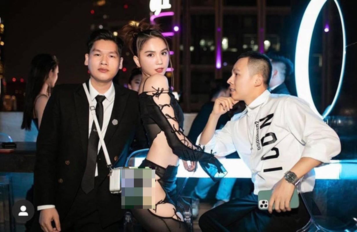 """Choi lon nhu Ngoc Trinh, dau nam ho bao, """"mac nhu khong"""" ra duong"""