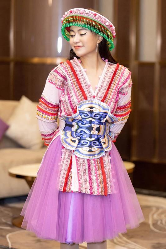 """Hoang Thuy Linh len do sieu dinh, xung tam """"my nu dan gian""""-Hinh-8"""