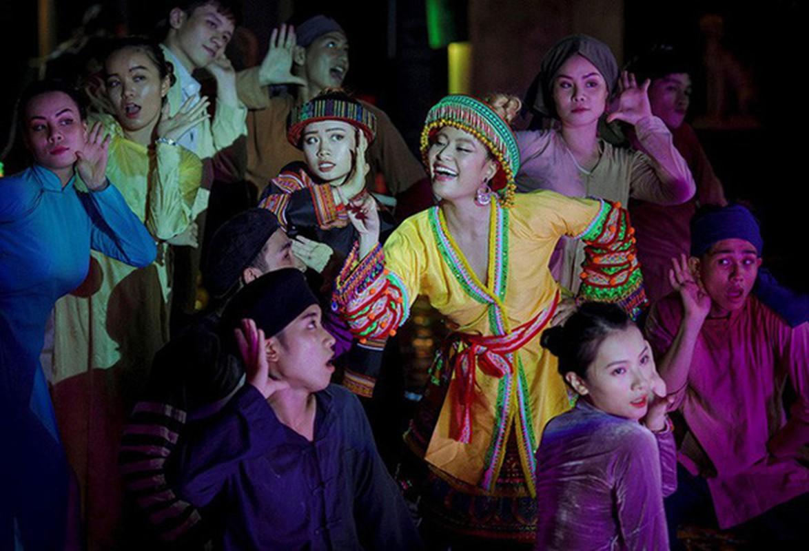 """Hoang Thuy Linh len do sieu dinh, xung tam """"my nu dan gian""""-Hinh-9"""