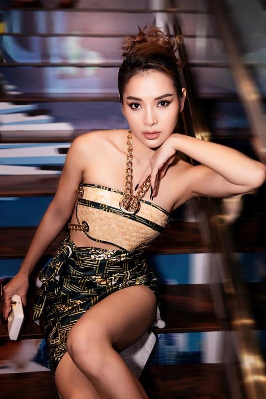 "Dau nam, ""bom sex"" Phuong Trinh Jolie tai xuat goi cam hut mat-Hinh-4"