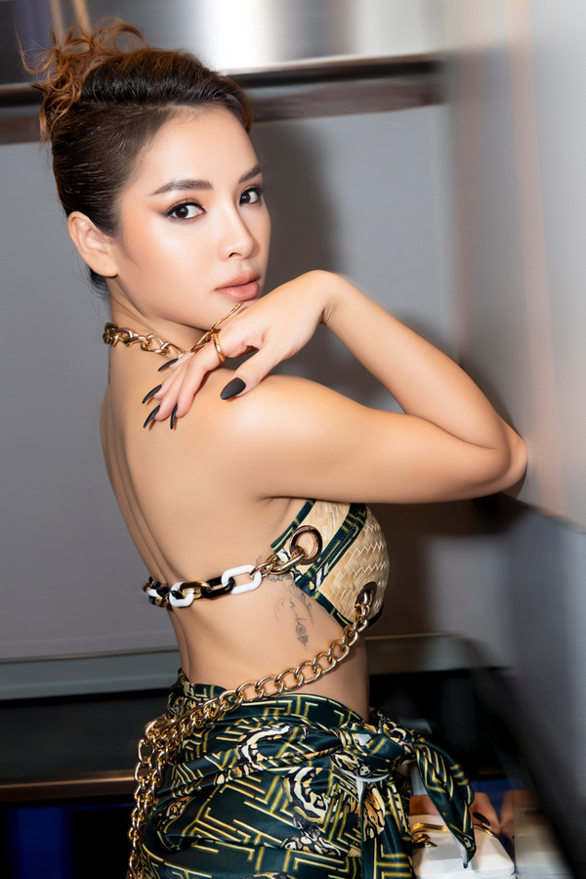 "Dau nam, ""bom sex"" Phuong Trinh Jolie tai xuat goi cam hut mat-Hinh-5"