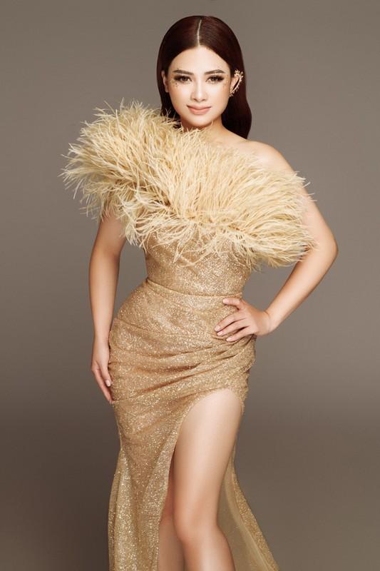 Bat ngo doi style, Duong Hoang Yen hoa than thanh nu than quyen ru-Hinh-7