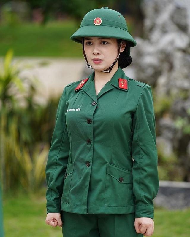 Bat ngo doi style, Duong Hoang Yen hoa than thanh nu than quyen ru