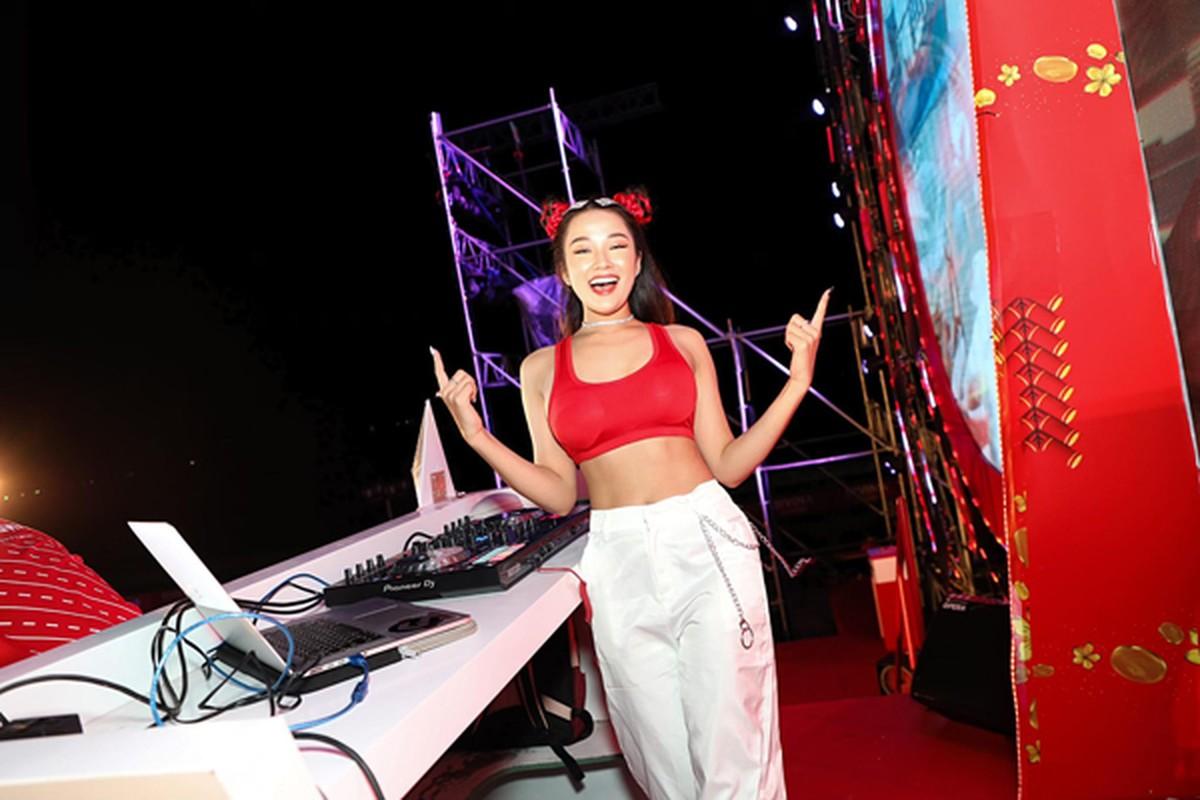 """Ngam DJ an mac cuc gat, tu xung """"hien nhat Dong Nam Bo""""-Hinh-11"""