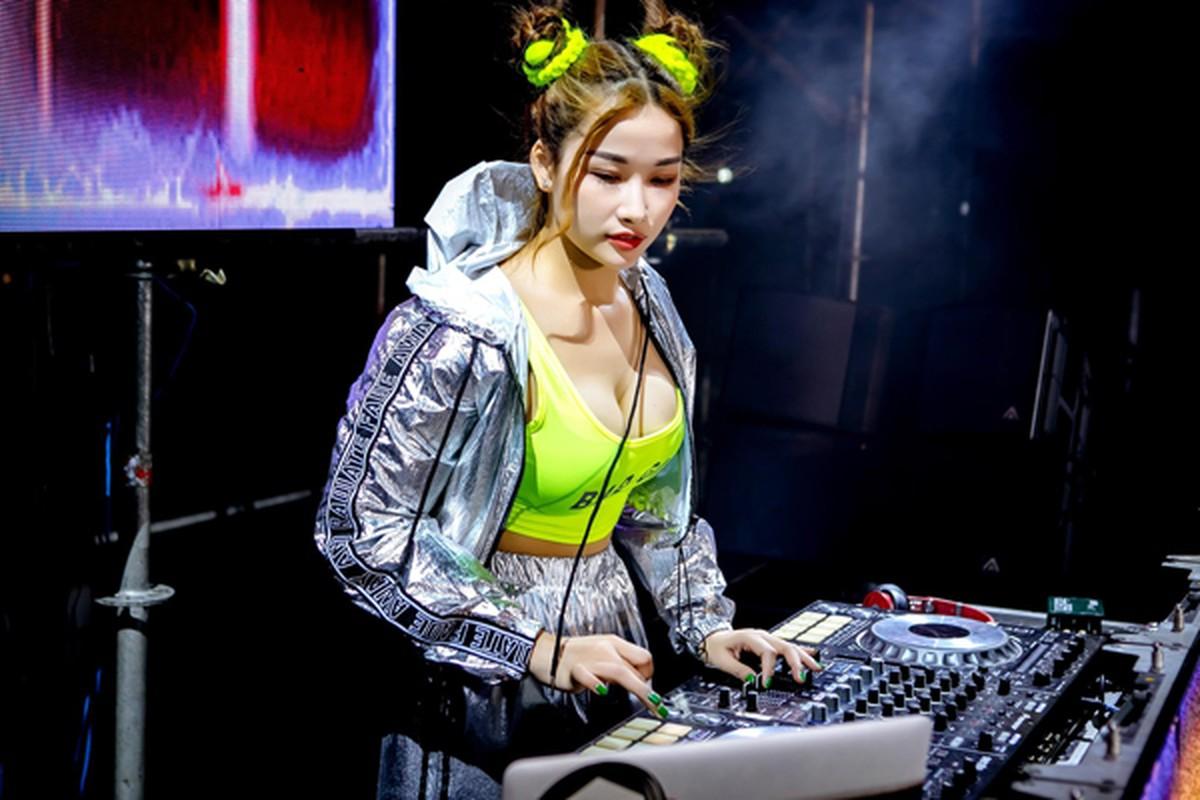 """Ngam DJ an mac cuc gat, tu xung """"hien nhat Dong Nam Bo""""-Hinh-5"""