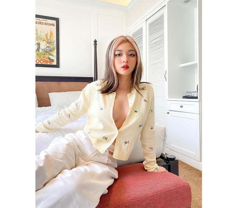 "Mac ao kin ""khong loi thoat"", hotgirl 10X phanh cuc nguc sexy dien dao-Hinh-10"