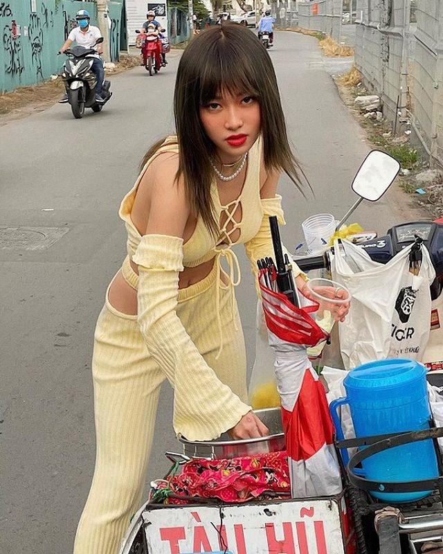 "Mac ao kin ""khong loi thoat"", hotgirl 10X phanh cuc nguc sexy dien dao-Hinh-4"