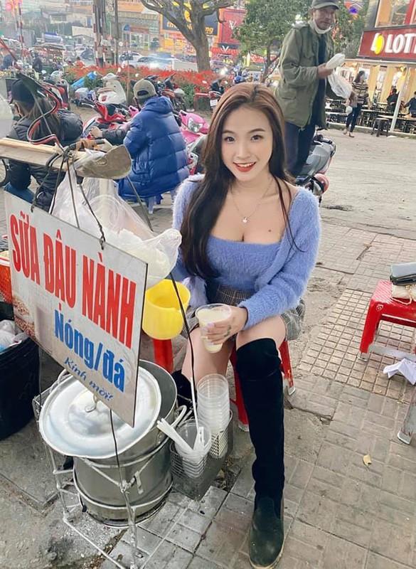 """Mac sexy ban hang, gai tre bi che """"lam mau, dien sau""""-Hinh-2"""
