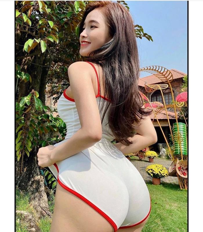 """Mac sexy ban hang, gai tre bi che """"lam mau, dien sau""""-Hinh-3"""