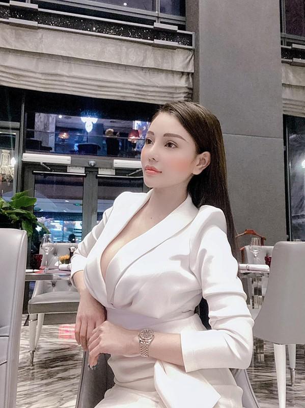 "Dien mot ""bung toang"", hotgirl ""chiu ho nhat Viet Nam"" bi che phan cam-Hinh-6"