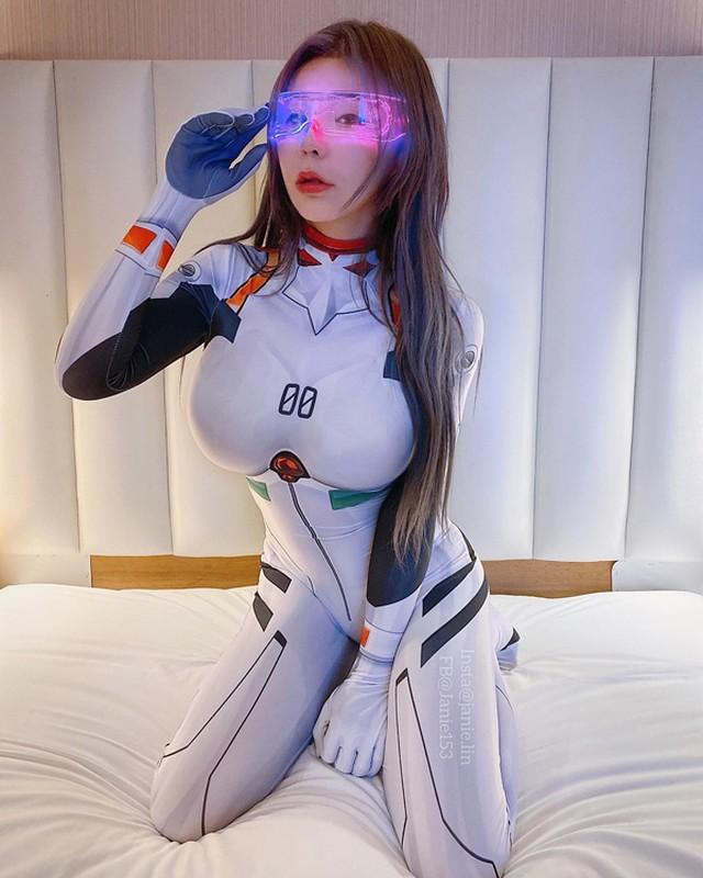 Mac trang phuc hoat hinh, hotgirl khoe body sexy gay choang-Hinh-10