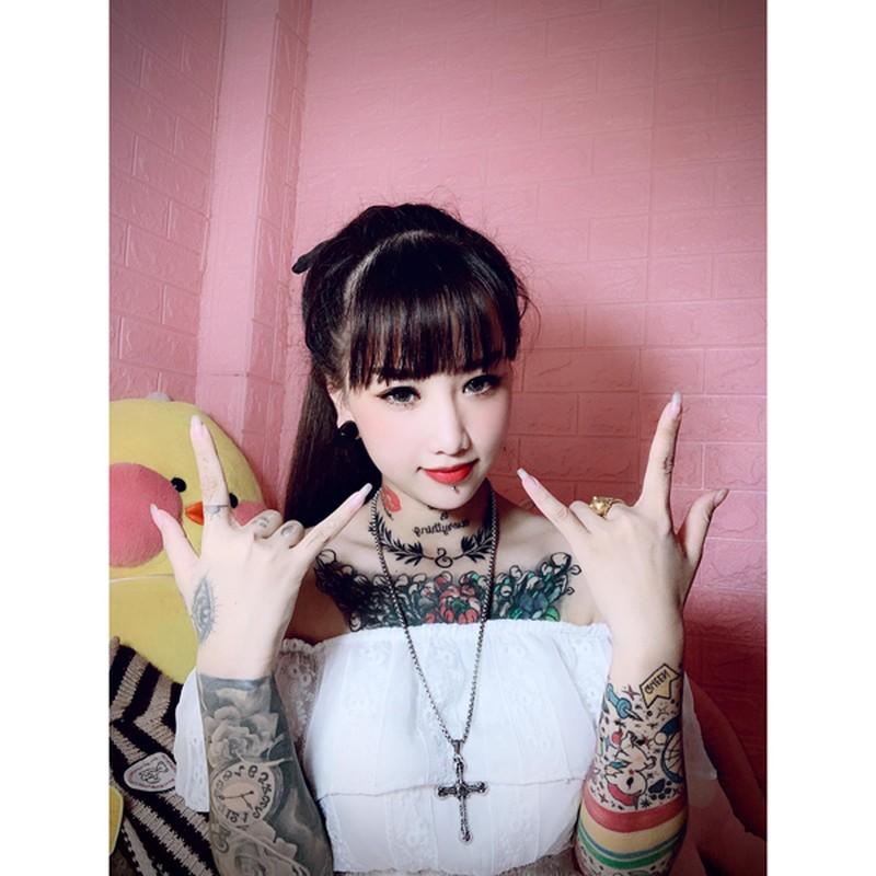 """Mat nhu thien than, hotgirl Viet gay """"choang"""" vi phong cach xam kin nguoi"""