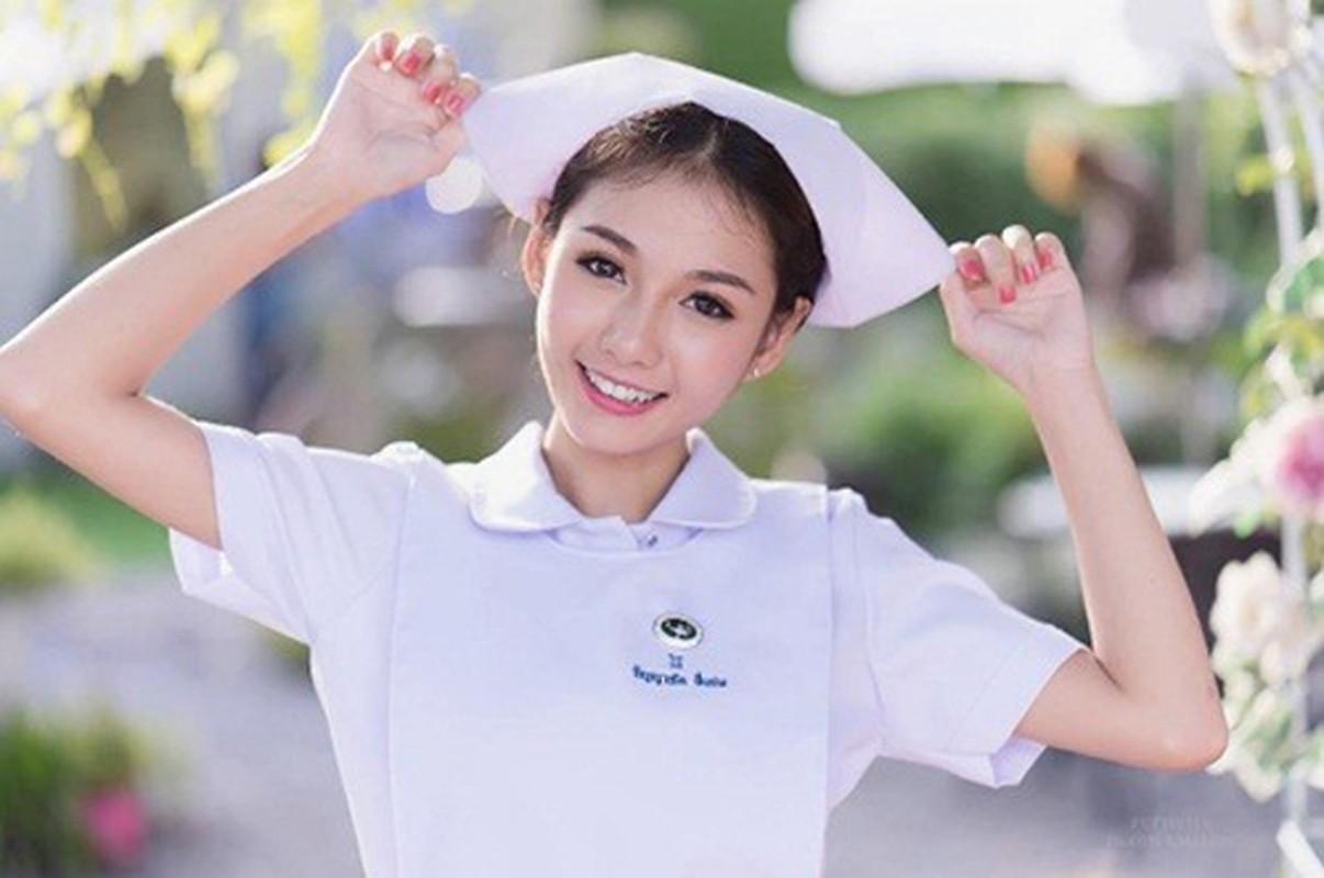 Phong cach thoi trang sexy cua nu y ta tung bi sa thai vi qua dep-Hinh-2