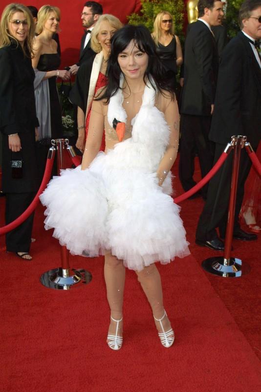 "Mat chu O mom chu A voi ""tham hoa"" thoi trang tai BAFTA TV Awards-Hinh-11"