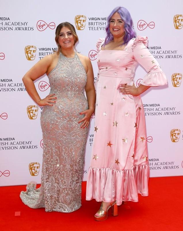 "Mat chu O mom chu A voi ""tham hoa"" thoi trang tai BAFTA TV Awards-Hinh-8"