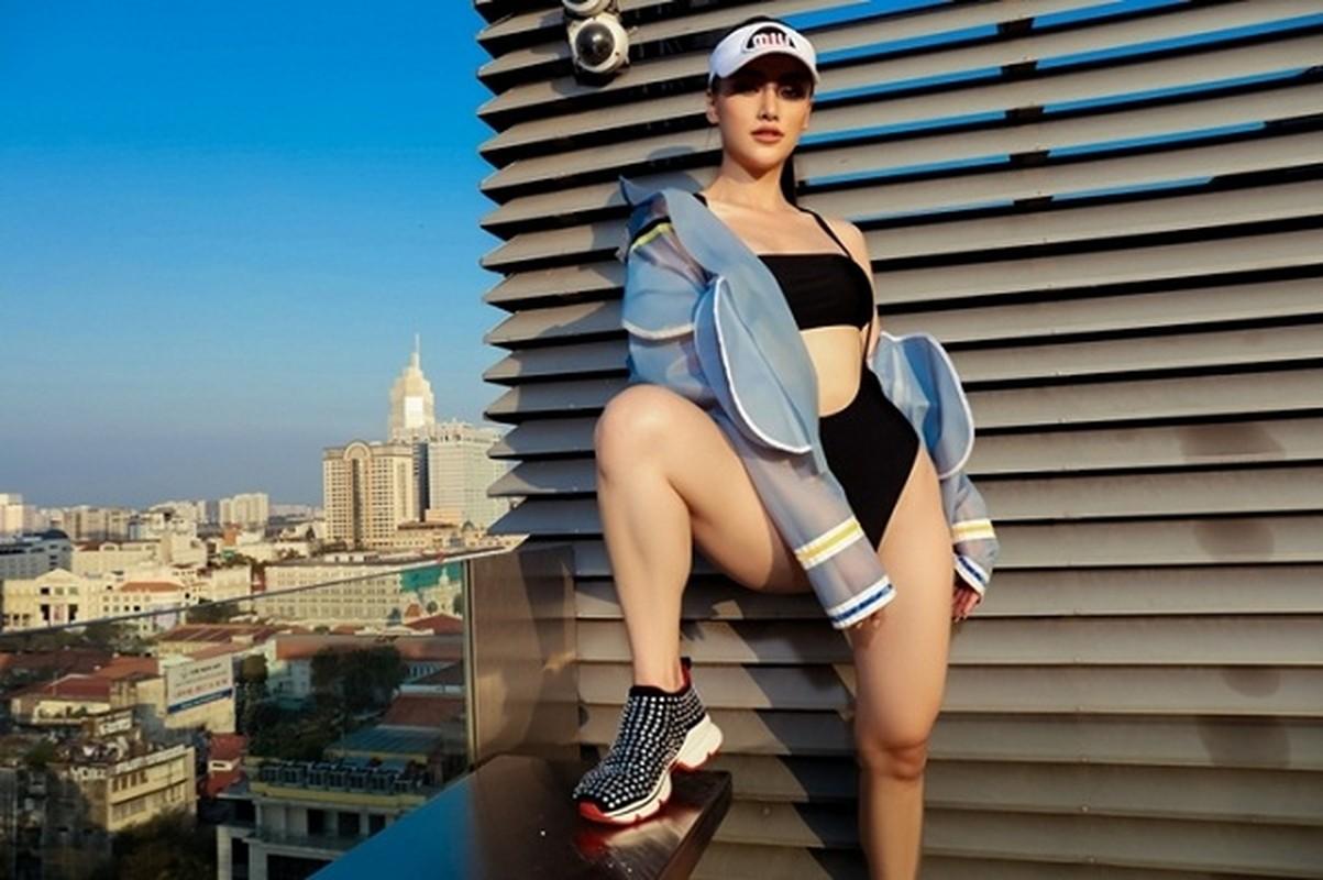 """Theo phong cach """"mac bikini di sneaker"""", gai xinh khoe ve sexy ngut ngan-Hinh-4"""