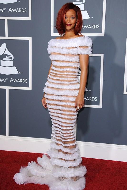 Rihanna gay uc che voi thiet ke quan ho gan het vong ba-Hinh-12