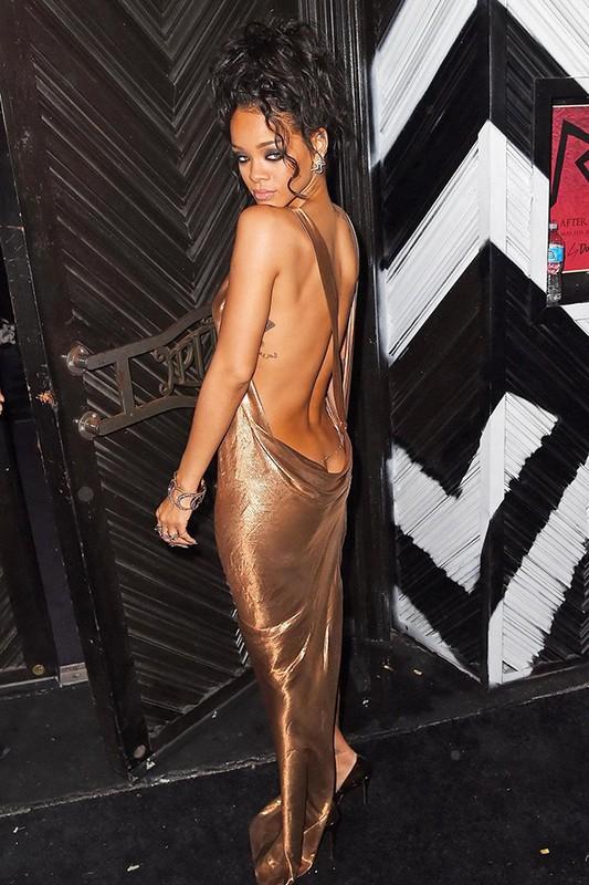 Rihanna gay uc che voi thiet ke quan ho gan het vong ba-Hinh-5
