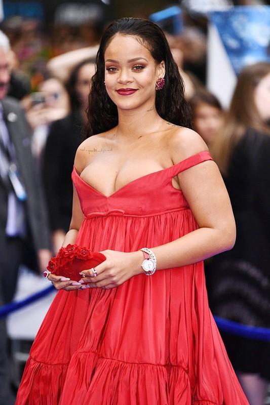 Rihanna gay uc che voi thiet ke quan ho gan het vong ba-Hinh-9