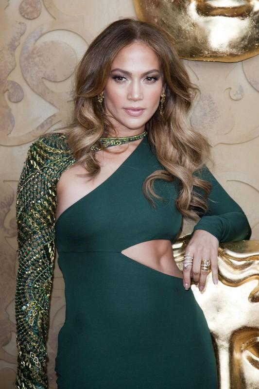 Can gi ho hang, Jennifer Lopez khoe diem sexy khien dan ong me man