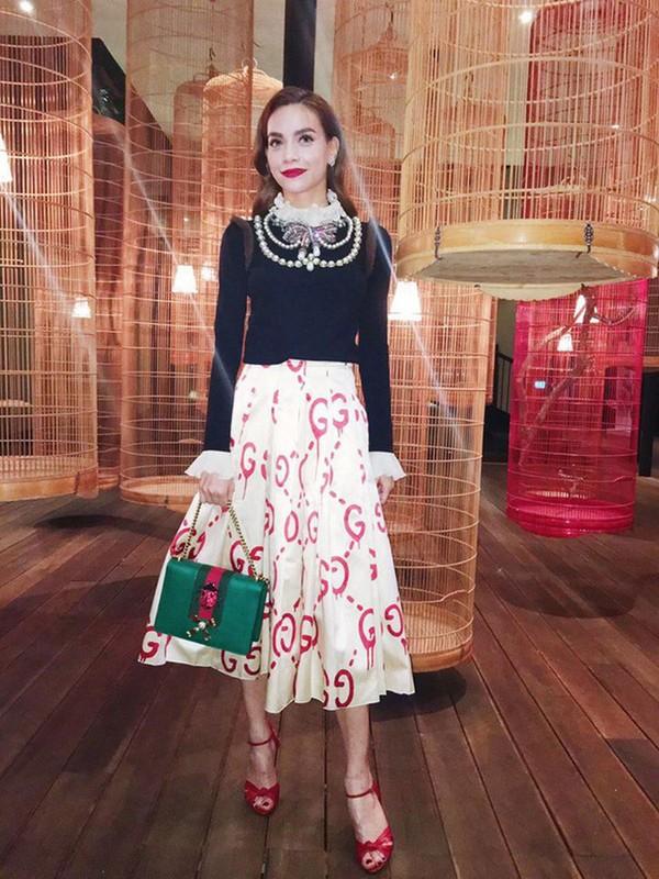 Nhung set do hoan hao cua Ha Ho du Milan Fashion Week
