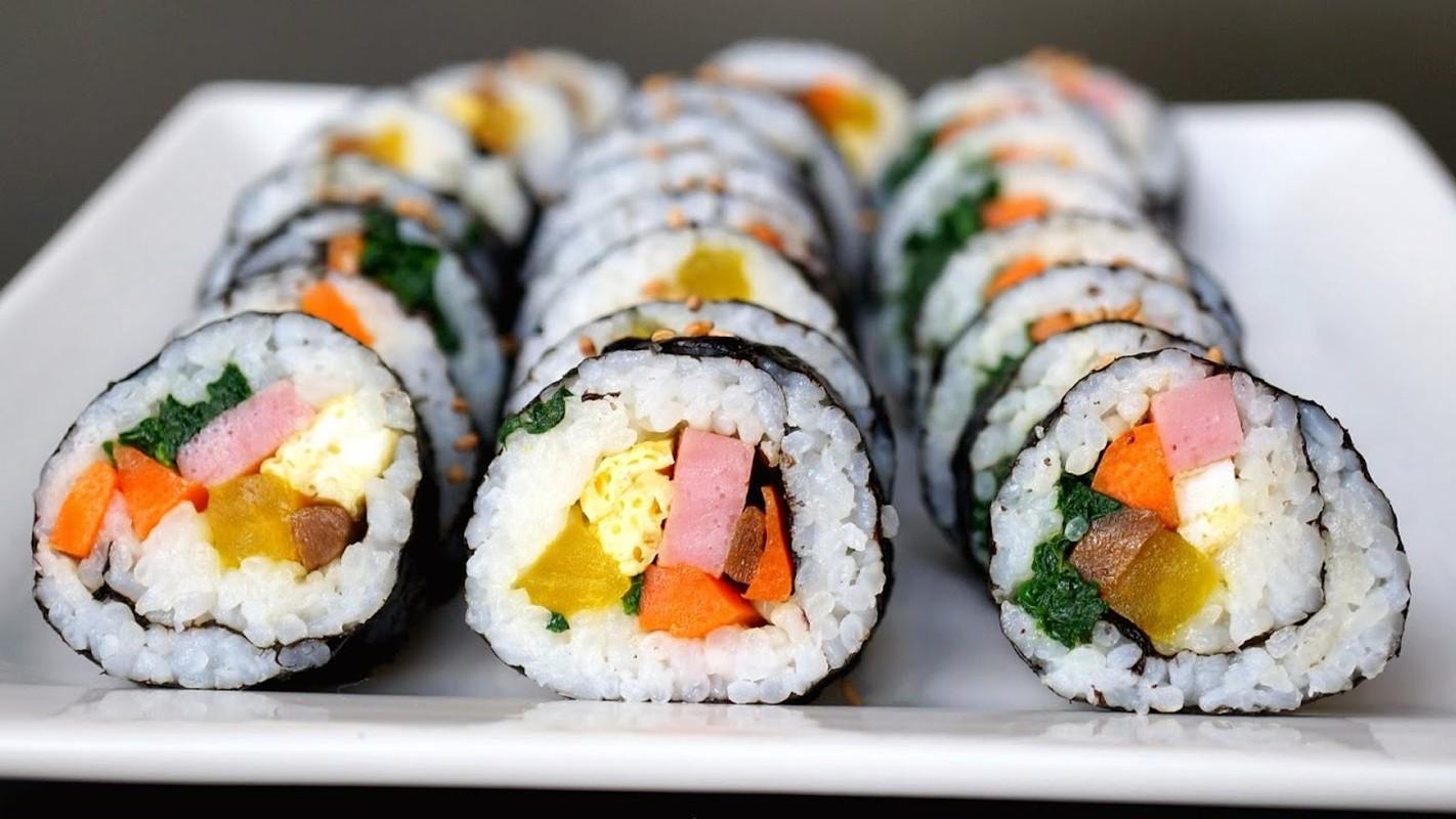 """4 cach lam com cuon """"an dut"""" sushi Nhat Ban-Hinh-4"""