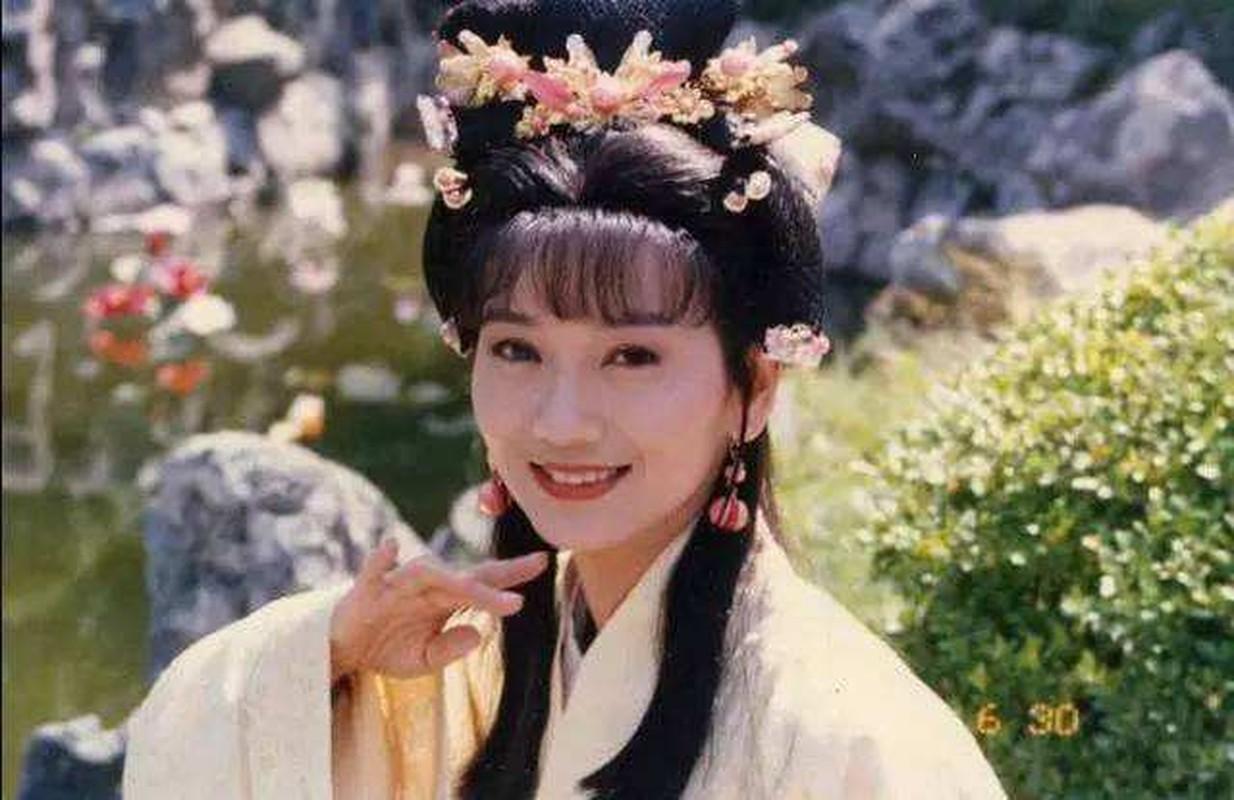 He lo my nhan khien Tan Thuy Hoang cuong si ca doi-Hinh-2