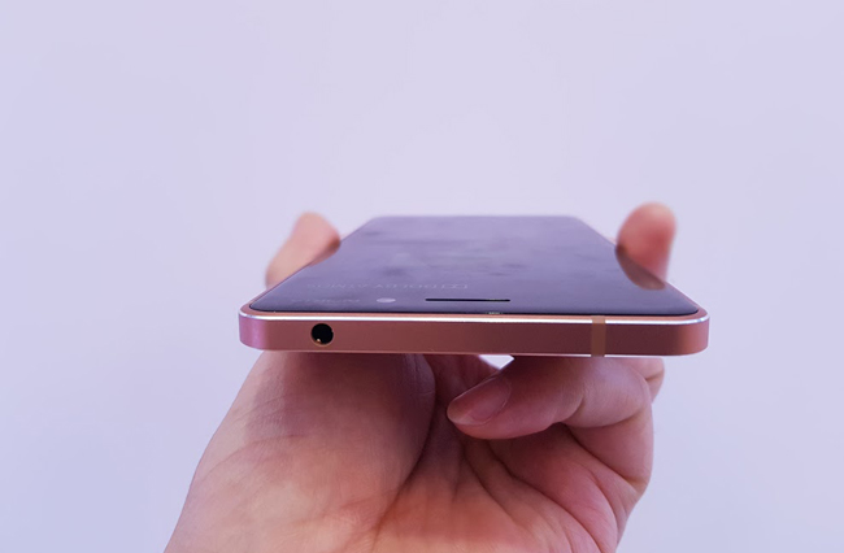 Tren tay Nokia 6 mau vang dong, gia sinh vien-Hinh-9