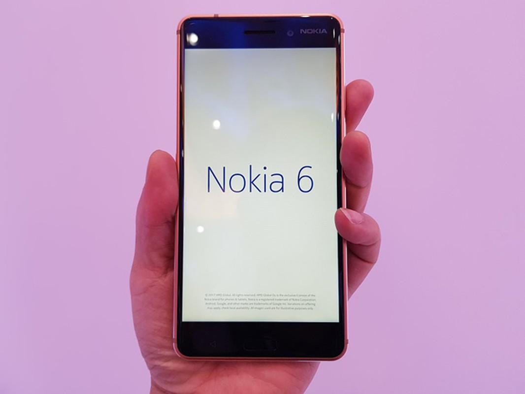 Tren tay Nokia 6 mau vang dong, gia sinh vien