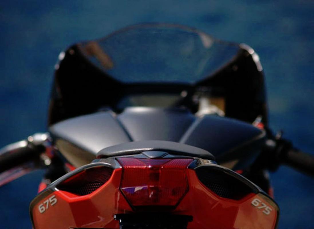 """""""Doc ban"""" MV Agusta F3 len dan ao Virginio Ferrari Racing cuc dinh-Hinh-12"""