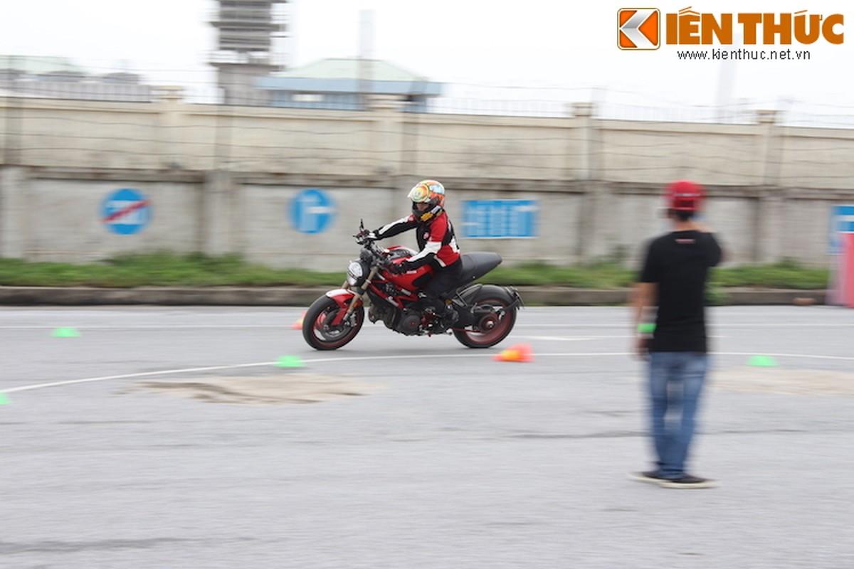 Luyen tap ky nang gi tai Ducati Riding Experience 2015?-Hinh-15