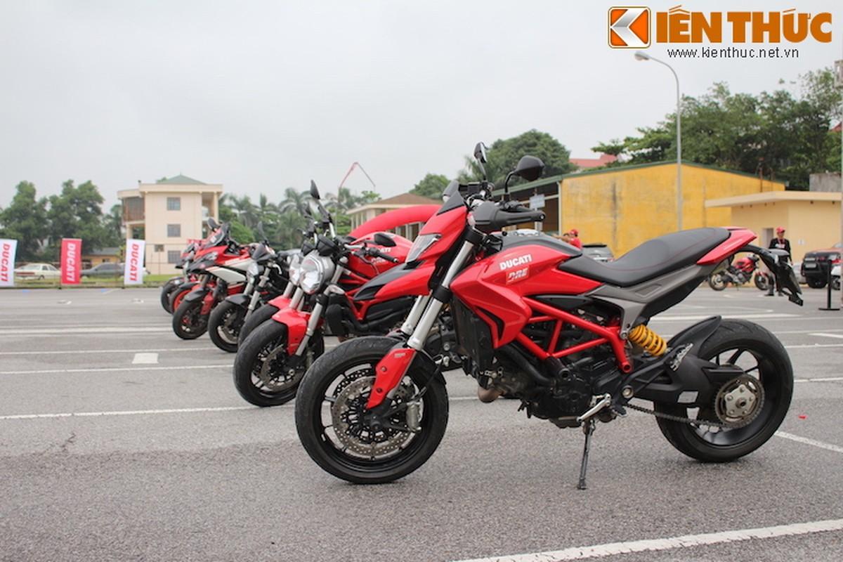 Luyen tap ky nang gi tai Ducati Riding Experience 2015?-Hinh-5