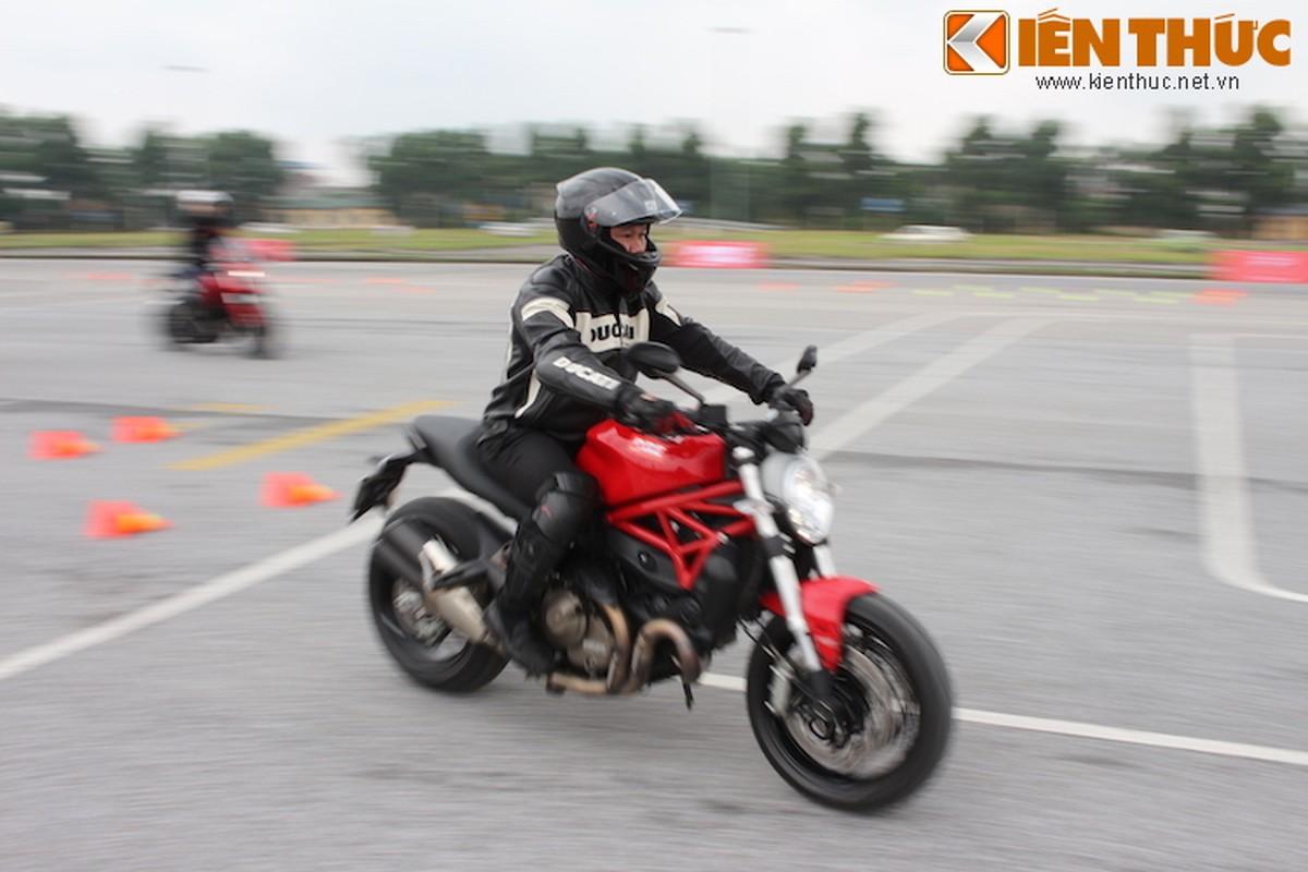Luyen tap ky nang gi tai Ducati Riding Experience 2015?-Hinh-7