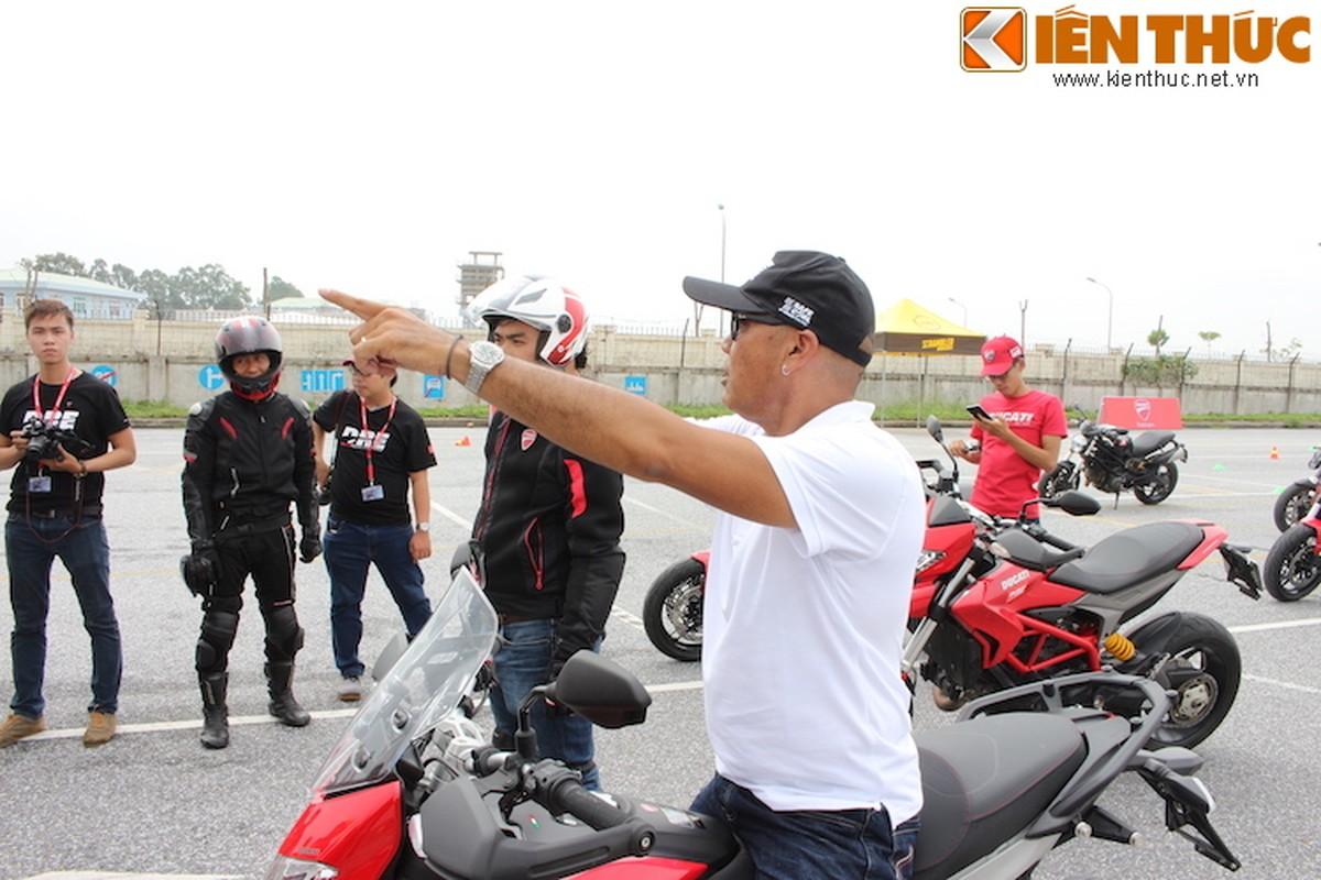 Luyen tap ky nang gi tai Ducati Riding Experience 2015?-Hinh-9