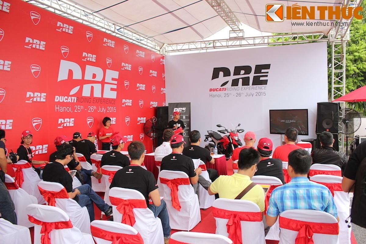Luyen tap ky nang gi tai Ducati Riding Experience 2015?