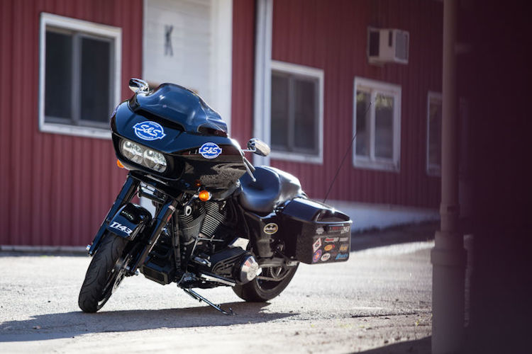 """Can canh Harley Road Glide Ultra """"rong dien"""" 160 ma luc-Hinh-10"""