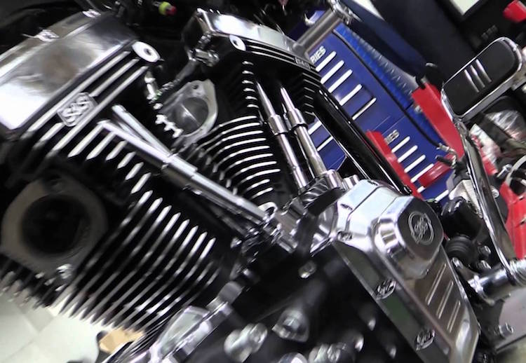 """Can canh Harley Road Glide Ultra """"rong dien"""" 160 ma luc-Hinh-5"""