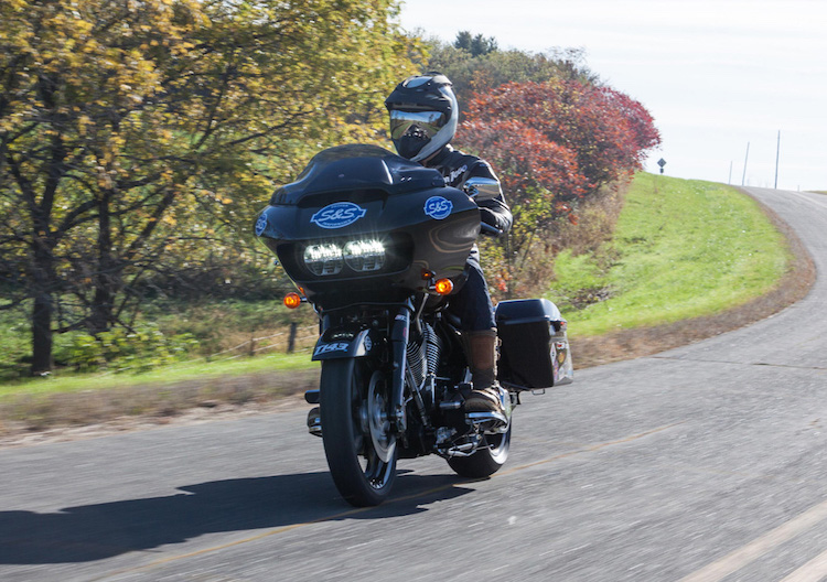 """Can canh Harley Road Glide Ultra """"rong dien"""" 160 ma luc-Hinh-6"""