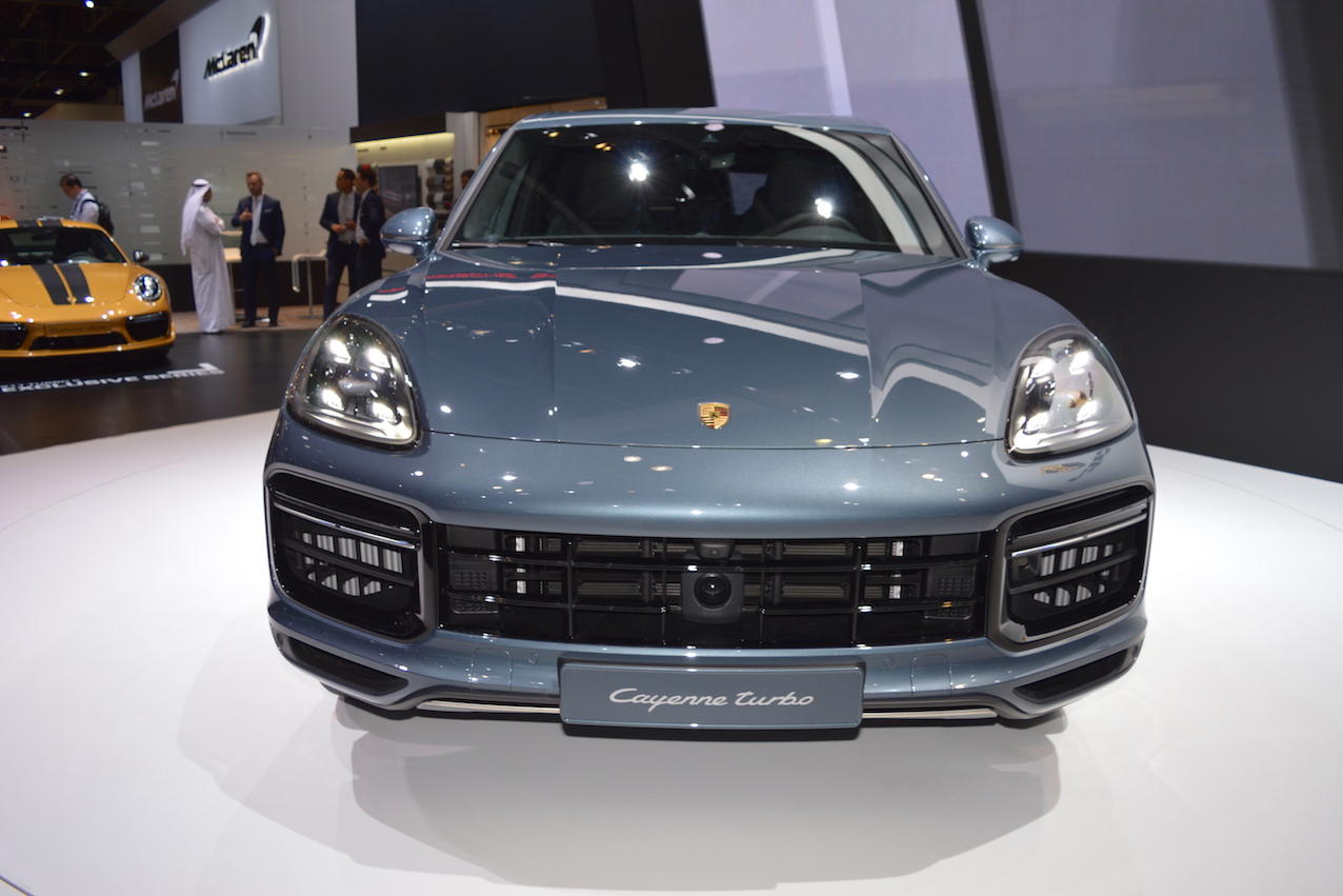 Can canh Porsche Cayenne Turbo 2018 gia 3,4 ty dong-Hinh-2