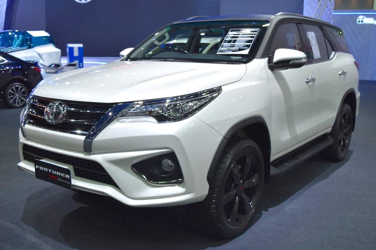 Loat xe oto nhap khau co the giam gia dau nam 2018-Hinh-2