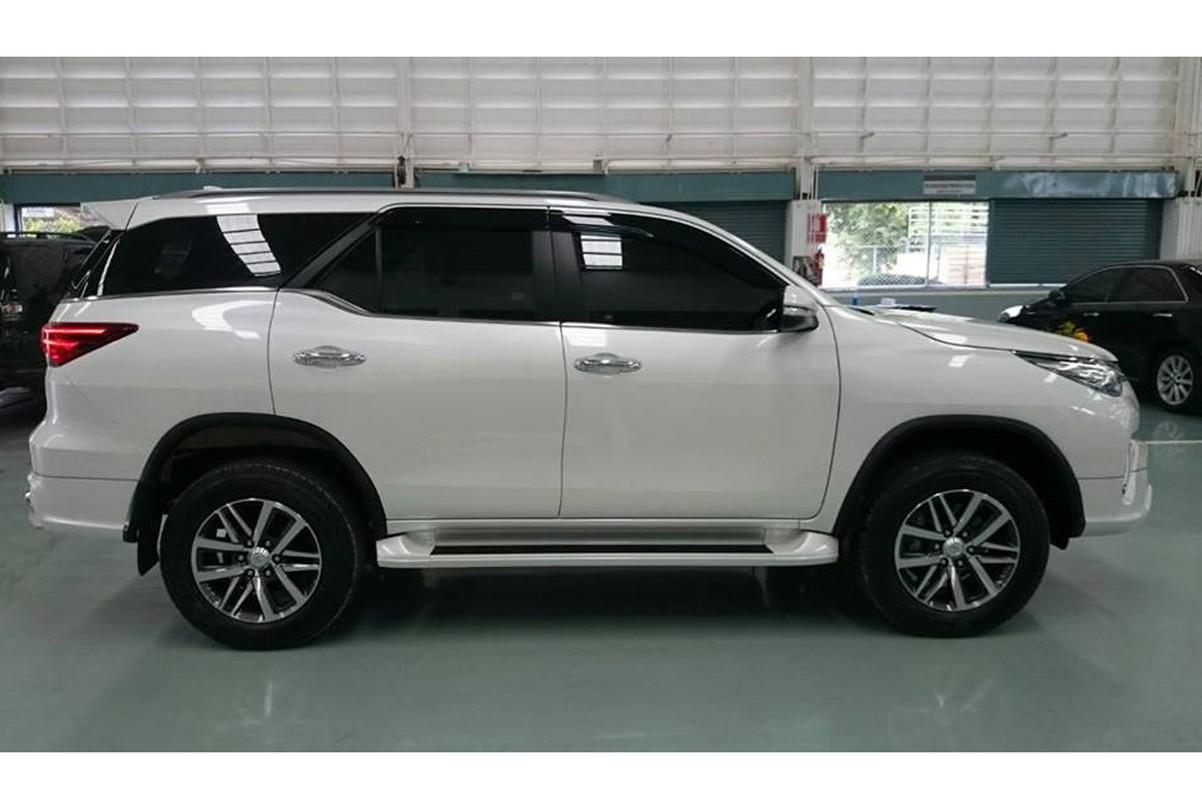 Loat xe oto nhap khau co the giam gia dau nam 2018-Hinh-5