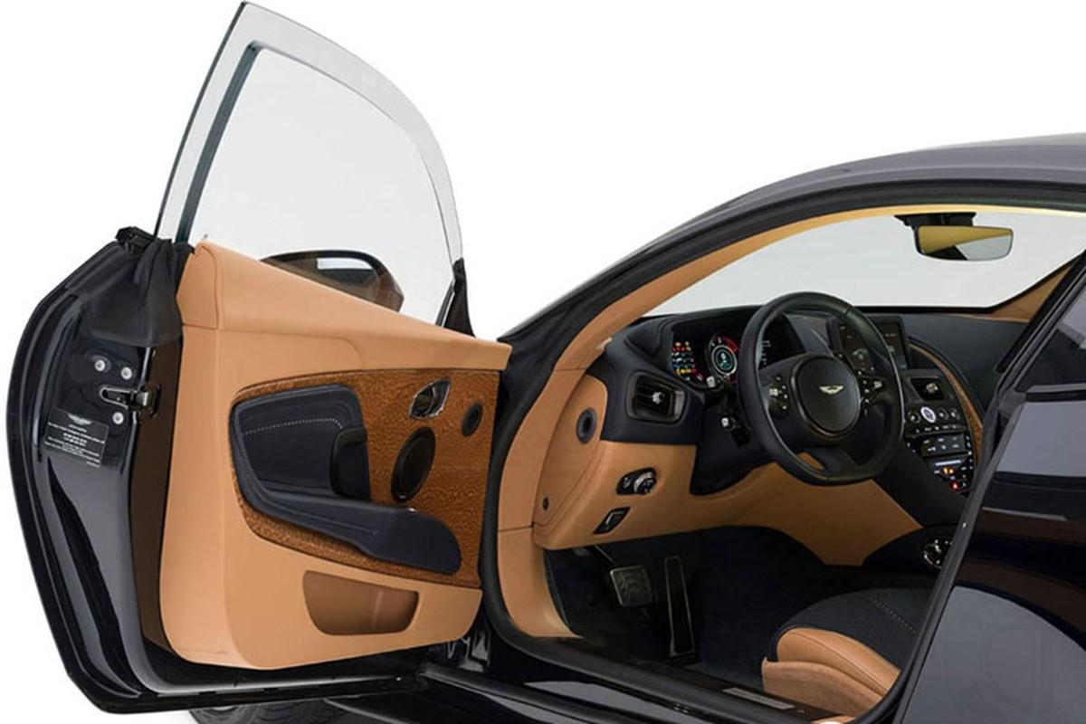 Xe boc thep chong dan Aston Martin gia 4,6 ty dong-Hinh-4