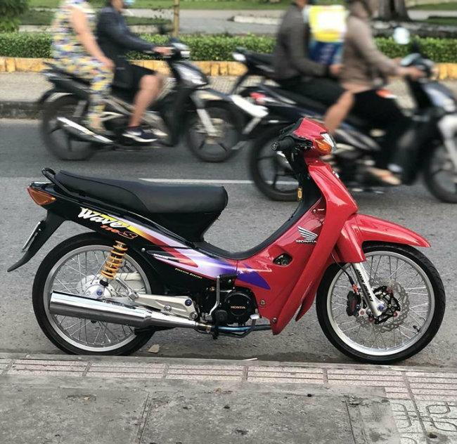 Can canh Honda Wave bien