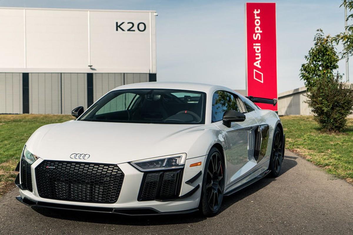 Sieu xe Audi R8 V10 gia tu 5,5 ty dong co gi hot?
