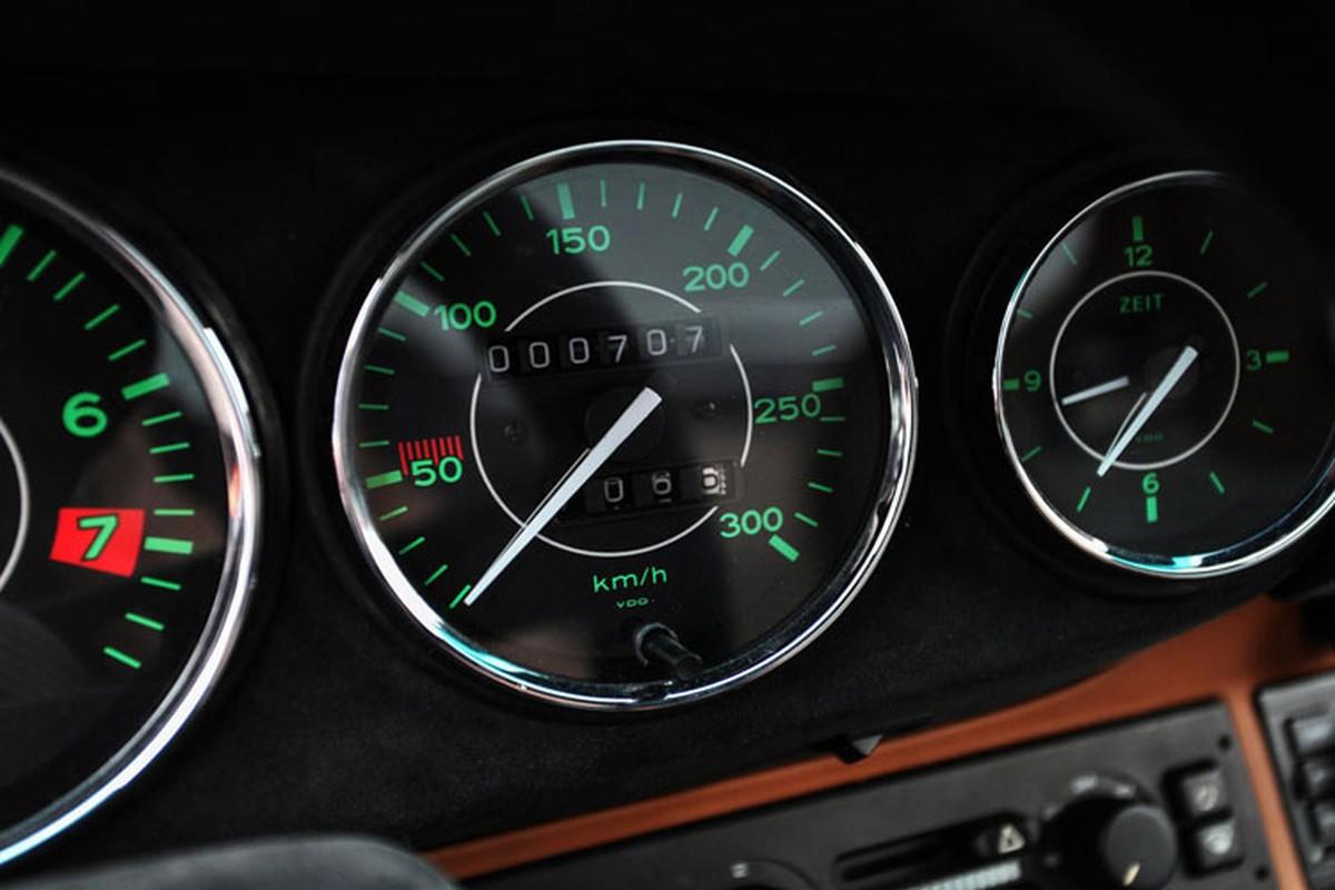 Choang voi xe co Porsche 911 phuc che gia toi 54 ty dong-Hinh-7